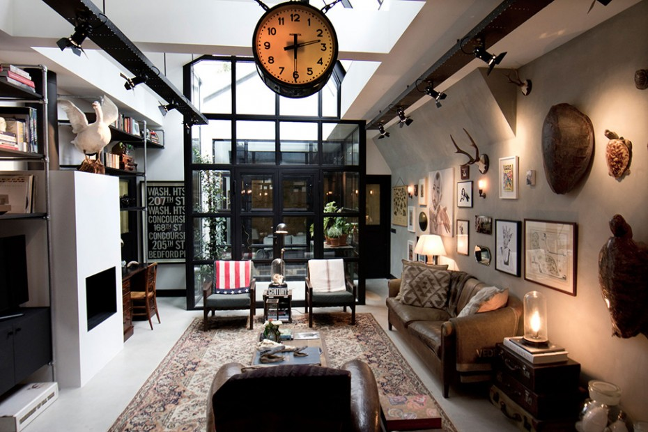 This Old Amsterdam Garage Converted Into An Apartment