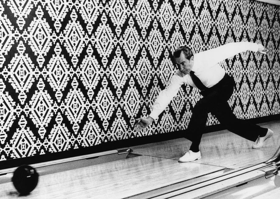 Us President Richard Nixon Bowling Everett
