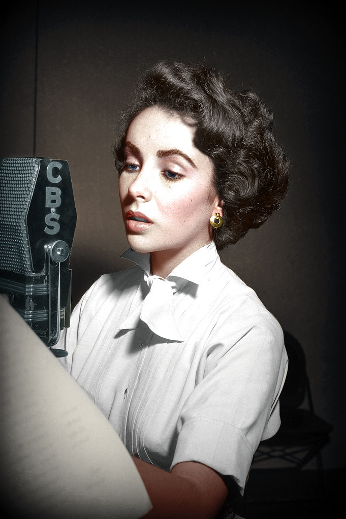 Elizabeth Taylor long Italian haircut
